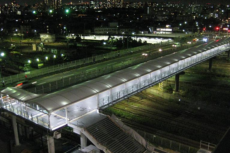 新川崎地区都市基盤整備(鹿島田こ線歩道橋階段部架設)工事