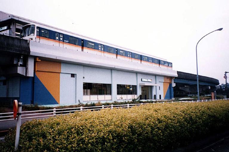 金沢シーサイドライン橋梁補強(海の公園南口駅)