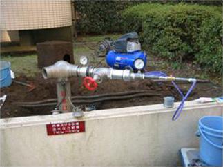配管の詰まりや漏れを調査します01